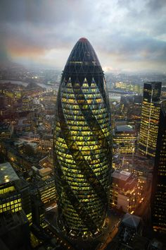 Sede Swiss Re, 30 st. Mary Axe Londra 2004